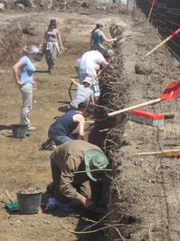 benevoles-fouilles-archeologiques